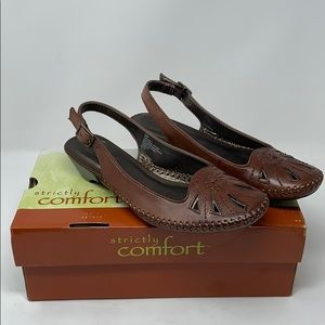 NEW Strictly Comfort Brown Leather Sandals Size 8